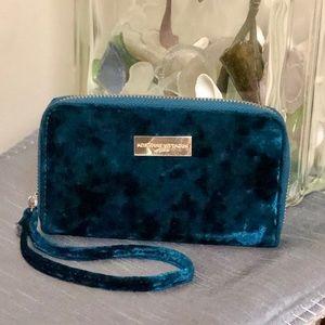 🌹HOST PIC!🌹Adrienne Vittadini Velvet Wallet